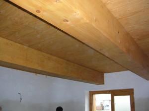 Sottotetto in legno lamellare